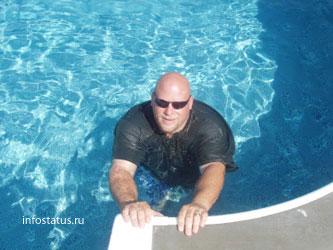 Мужчины в бассейне фото фото 348-977